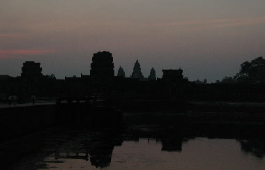 angkor-wat-morning130403.jpg