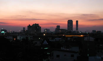 17dec02 sathorn sunset